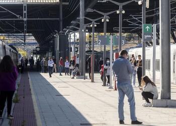 Una avería en las vías retrasa dos trenes con 350 pasajeros