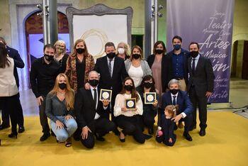 Colectivos talaveranos reciben la Medalla al Mérito Cultural