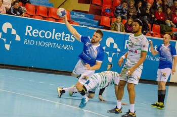 El UBU San Pablo refuerza la primera línea con Roberto Pérez