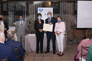 El Colegio de Médicos premia a los doctores más veteranos