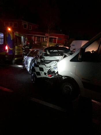 Dos heridos en accidente de tráfico tras caer un árbol