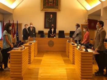 Los concejales deberán publicar cada año sus bienes y renta