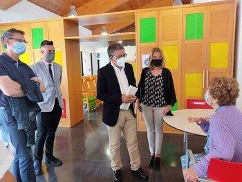 Rubio y Somalo visitan el centro de día de Nájera