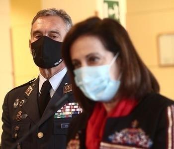 Robles pide explicaciones al JEMAD tras saber que se ha vacunado