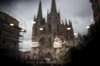 Sampedros de mascarilla, vacuna y esperanza
