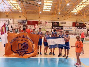 El equipo alevín de Amigos del Baloncesto campeón regional