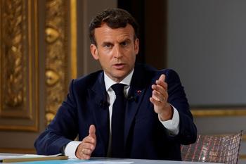 Macron advierte a Johnson que el Brexit no es renegociable
