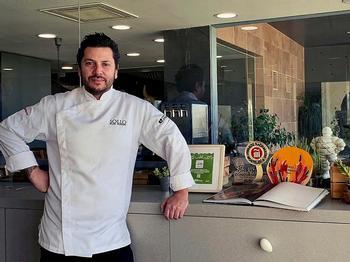 El cocinero brasileño regenta Sollo, en la ciudad malagueña de Fuengirola.