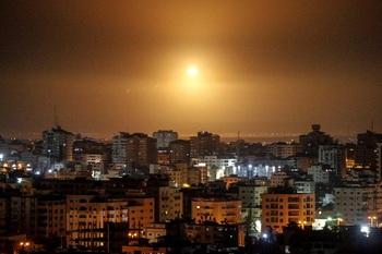Israel bombardea Gaza tras un nuevo lanzamiento de cohetes