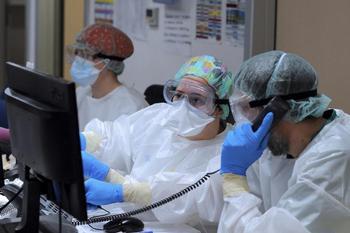 Ligera subida de hospitalizados por covid en las UCI