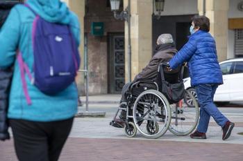 Lanzan cursos para formar a cuidadores de dependientes