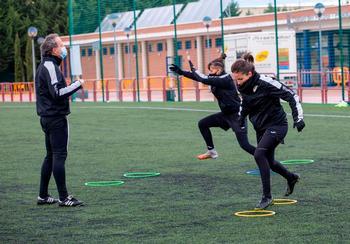 Imagen de un entrenamiento del EDF Logroño en Pradoviejo.