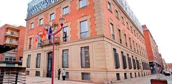 Imagen de archivo del palacio de justicia de Palencia.