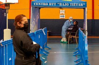 El primer día de cribado en Arenas detecta 10 positivos