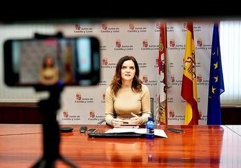 La consejera de Empleo, Carlota Amigo, durante la rueda de prensa telemática para presentar 'Prospección Castilla y León'.