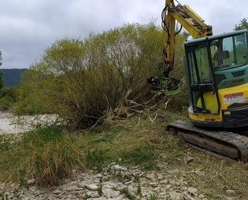 La CHE interviene en los ríos afectados por las crecidas