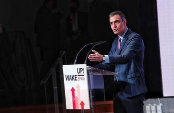 Sánchez defiende la compra de vacunas centralizada en la UE