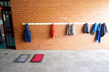 El juzgado anula los contratos de limpieza covid en colegios