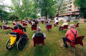 Grupo de mayores de la residencia Cardenal Marcelo de Valladolid.