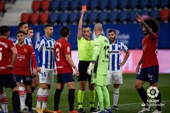 Alavés- Osasuna: dos rivales directos se enfrentan hoy