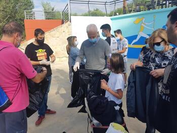 Hermoso de Mendoza participa en un acto de limpieza del Ebro
