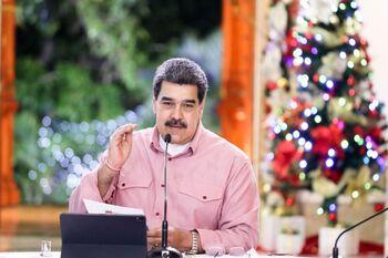 Maduro acusa a EEUU de dar una