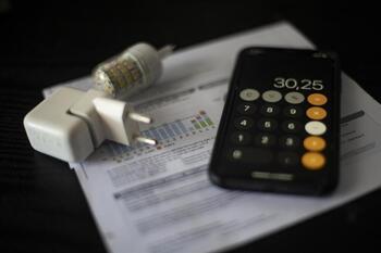 El precio de la luz sube un 3,8% este sábado