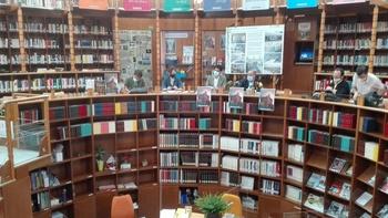 Cien años de agua y libros