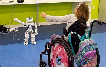 Parapléjicos usa robots para la rehabilitación de niños