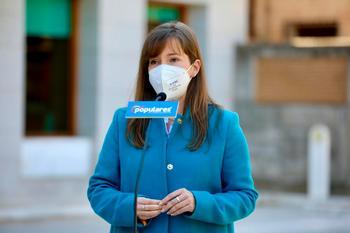 El PP pide cuentas a Page por alargar el viaje a Canarias