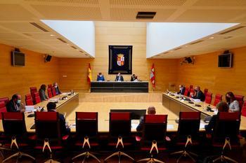 El PSOE acusa a la Mesa de las Cortes de no ser neutral