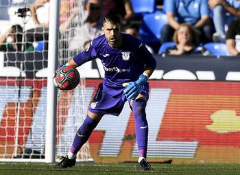 El Burgos CF negocia con el portero Iván Cuéllar
