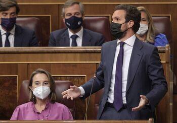 Casado censura que Sánchez quiera derogar la reforma laboral
