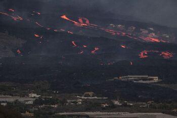 El cono principal del volcán sufre un derrumbe