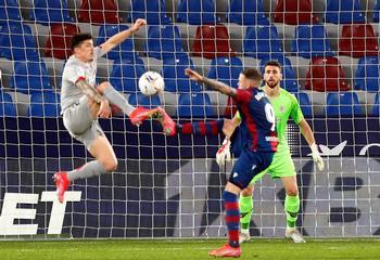 Levante y Athletic firman tablas antes de la batalla final