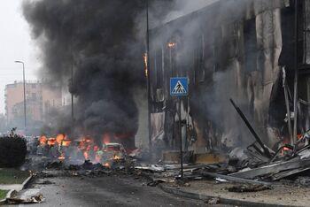 Al menos ocho muertos al estrellarse una avioneta cerca de Milán