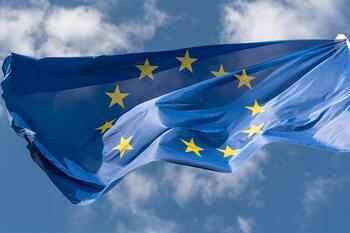 La Eurocámara exige congelar los fondos destinados a Polonia