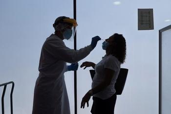 Sanidad notifica 22.744 casos y 197 muertes desde el viernes