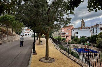 La pequeña y montañosa localidad de Famorca, en Alicante, cuenta con 45 vecinos, la mayoría por encima de los 70 años.