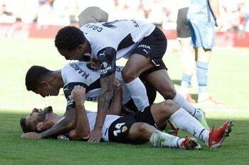 El Valencia iguala dos goles en contra en la prolongación