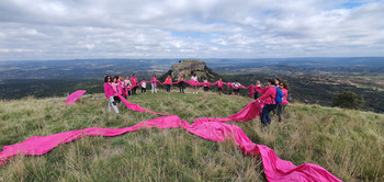 Las Tetas de Viana, símbolo poético contra el cáncer de mama