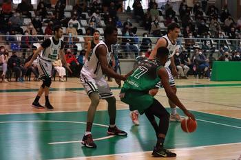 Imagen del FG La Roda-Albacete Basket dispuatdo el pasado domingo.
