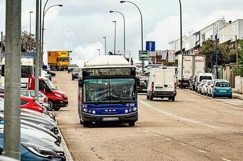 Un 84% de los conductores sigue apoyando los paros en Auvasa