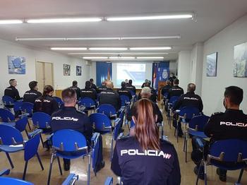 La Policía forma a 23 agentes en problemáticas de la región