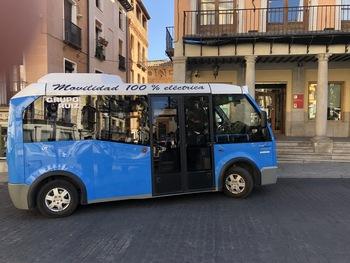 Tolón prueba un prototipo de microbús eléctrico de Unauto