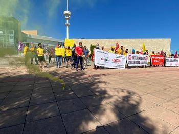Los trabajadores de Geacam exigen la dimisión de Escudero