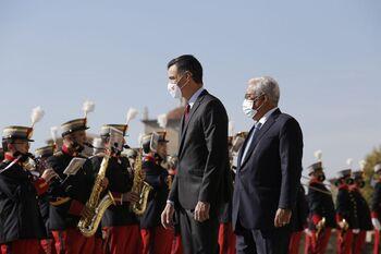 Sánchez y Costa arrancan solos la Cumbre con Portugal
