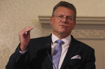 Bruselas ignora el envite de Johnson