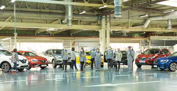 De 1.200 a 700 coches diarios en Renault por falta de chips
