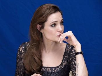La dramática y real vida de Angelina Jolie